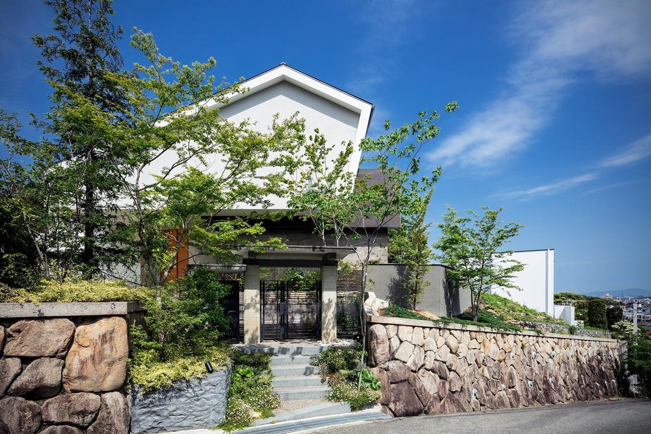芦屋・丘の上の家