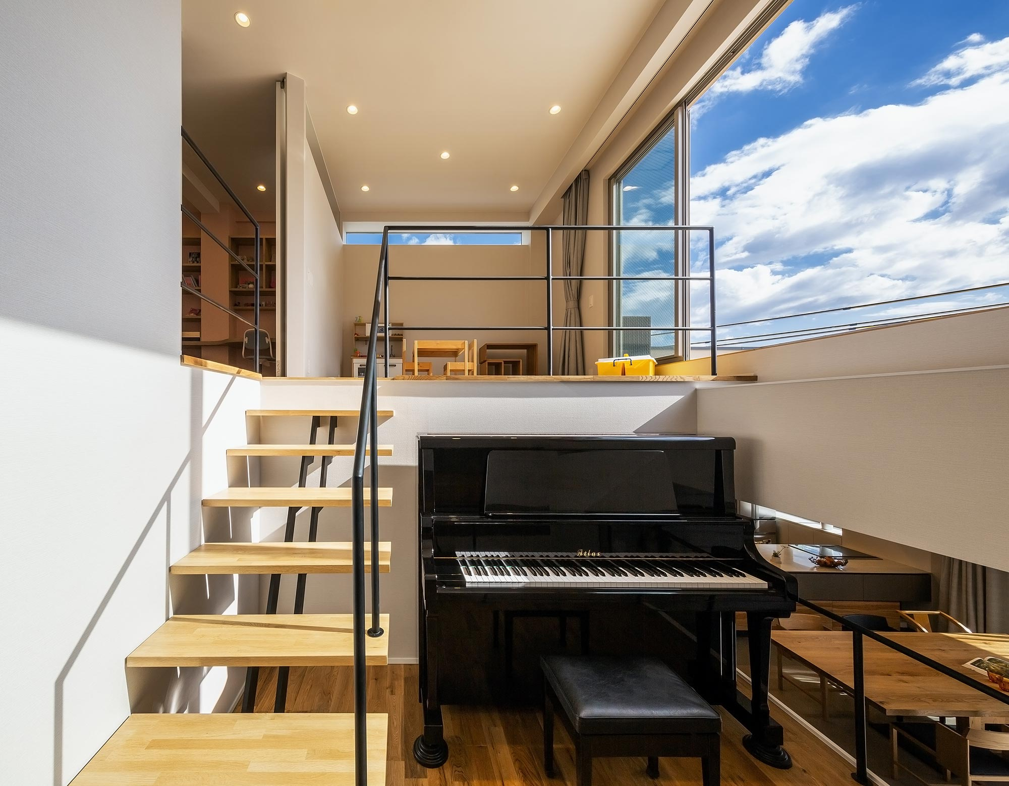 ピアノステージのある家Re:・写真