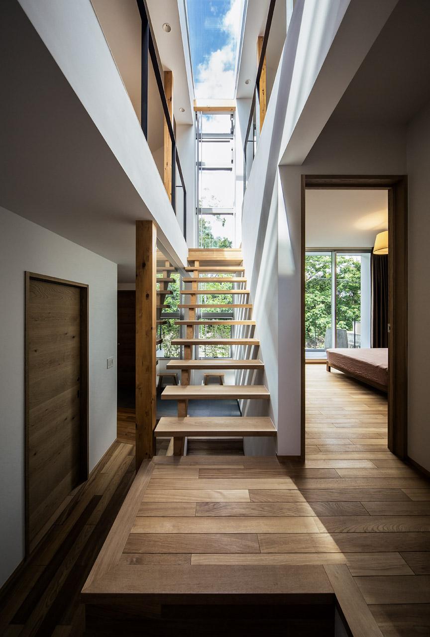クレバス:屋内にいても、戸外の空や緑に包まれている感覚を味わえる空間になりました